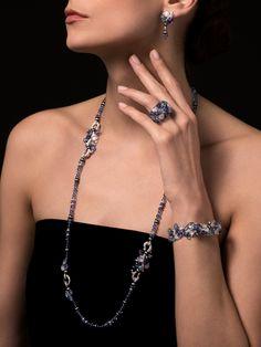 CARTIER #Cartier #CartierMagicien #2016 #HauteJoaillerie #FineJewelry #Diamond #Tanzanite #Aquamarine #Moonstone #EngravedStones
