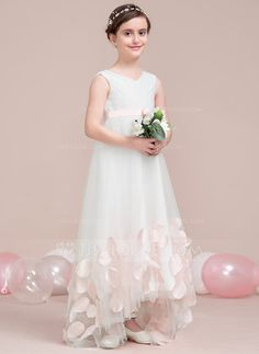 A-Line Princess V-neck Floor-length Ruffles Appliques Bow(s) Tulle  Sleeveless Flower Girl Dress Flower Girl Dress f09999584806