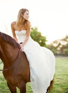 Monica... lets get a model with your dress on my dad's horses...