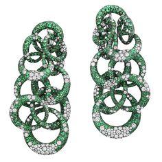 Luxury earrings Anelli by De Grisogono Emerald Jewelry, High Jewelry, Jewelry Art, Diamond Jewelry, Jewelry Design, Fashion Jewelry, Unique Jewelry, Emerald Earrings, Ear Jewelry