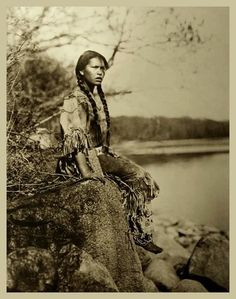 Ponemah (Ojibwe Tribe) - http://www.connieleemarie.com/library/papago.html