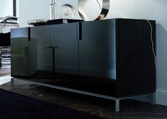 sideboard has plenty of storage drawers, cabinets or open shelves in the form of shelves, according to the trends, available in various colors.but white and black sideboard is especially modern . Mirrored Bedroom Furniture, Black Furniture, Luxury Furniture, Living Room Furniture, Tall Sideboard, Modern Sideboard, Sideboard Ideas, Interior Design Inspiration, Home Interior Design