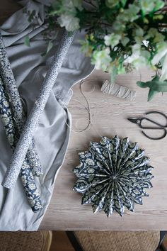 my scandinavian home: Sweden's Big Christmas Decoration Trend (And You Can Make It Yourself! Swedish Christmas, Noel Christmas, Scandinavian Christmas, Christmas And New Year, Simple Christmas, Christmas Crafts, Christmas Ornaments, Poinsettia, Paper Stars