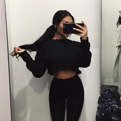 Love this all black outfit Casual Outfits, Cute Outfits, Fashion Outfits, Teen Fashion, Looks Style, My Style, Trendy Style, Black Style, Fall Winter Outfits