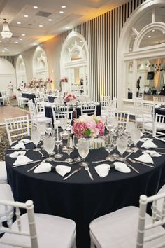 great if your reception venue has black/white stripped wallpaper