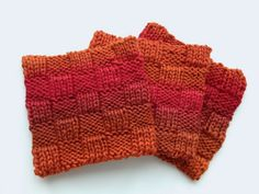 Knitted coasters: double knitting in basketweave stitch