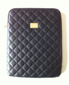 Marc B iPad case from Topshop. Kinda Chanel, I thought. Pic by me.