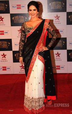 Dec 18: Sunny Leone at Big Star Entertainment Awards 2013, Mumbai