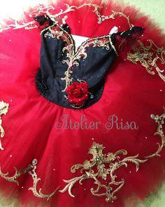 Tutu Costumes, Ballet Costumes, Ballet Tutu, Ballerina, Black And Grey, Gray, Fashion Outfits, Spanish, Elegant