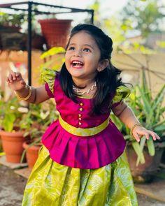 Cute Baby Dresses, Kids Party Wear Dresses, Kids Dress Wear, Baby Girl Party Dresses, Kids Gown, Dresses Kids Girl, Baby Girl Dress Design, Girls Frock Design, Kids Frocks Design