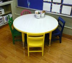 The Very Busy Kindergarten: Colorful Chairs