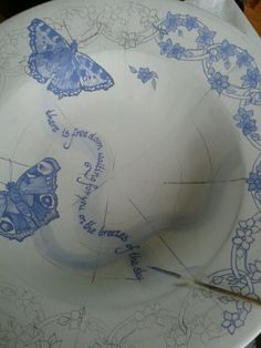 In progress. Handpainted underglaze by Marjan Snoep.