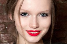 Hitting a Winter Beauty Slump? Time to Try This Bold Runway Trend | Teen Vogue