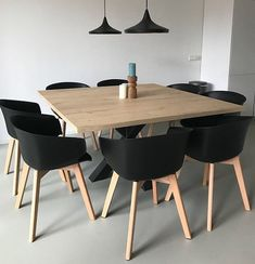 Dining table square oak wood look Bar legno with spider leg - Appartement - This oak wood look table is like real wood, knots and tangible structures, but without the inconven - Dining Table Upcycle, Dining Room Table, Square Dining Tables, Real Wood, Wood Projects, Diy Furniture, Sweet Home, House Design, Kitchen