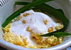 Check out How to Bake Tapioca Cake (Kuih Bingka Ubi) by Huang Kitchen on Snapguide. A Signature Malay Nyonya Kuih: Baked Tapioca Cake or Kuih Bingka This traditional Malay/… Thai Donuts Recipe, Donut Recipes, Baking Recipes, Dessert Recipes, Tapioca Cake, Cassava Cake, Coconut Pancakes, Filipino Desserts, Indonesian Desserts