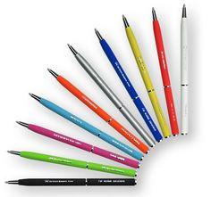 Elegante metalen pen met weerspiegelende DeoChrome® gravure De Superior pen Mini is een luxe metalen pen, die door de rubber finish prettig in de hand ligt. De Superior pen Mini is verkrijgbaar in 10 moderne kleuren.  De pen wordt gepersonaliseerd door middel van een unieke gravure techniek, DeoChrome®. Deze techniek zorgt dat uw logo of bedrijfsnaam in chroom schittert op de pen; stijlvol en opvallend. Deze pen is zwart- of blauwschrijvend.