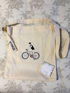 Mochila Kpop, Cute Wallets, Diy Tote Bag, Cute Backpacks, Beige Aesthetic, Kpop Merch, Canvas Designs, Cute Bags, Casual Bags