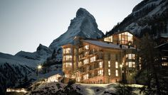 The Omnia Mountain Lodge in Zermatt offers stylish rooms and a spa. Luxury design hotel The Omnia is situated right in the centre of Zermatt and above the rest. Zermatt, Hotel Alpen, Piscina Hotel, Switzerland Hotels, Gstaad Switzerland, Best Ski Resorts, Beste Hotels, Ski Vacation, Dream Vacations