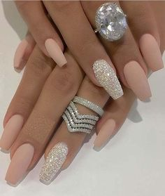 Fabulous designs and ideas of fashionable rings and nail art designs for you to wear in 2018, See here our best collection, get inspired, create and wear these modern designs of nails to wear nowadays for glamorous look. The combination and matching color style of rings and nails will give you cutest touch in 2018. #nailart