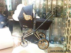 La carrozzina della nuova Capsule Collection. #cybexbyjeremyscott — presso Corso Como, Milano. #collection #cybex #passeggini #jeremyscott #fashion #designers #angeli #carrozzine