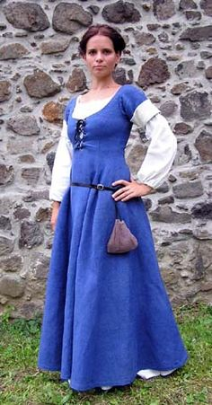 """Innkeeper from the Middle Ages       Inspired by illumination """"June"""" from the Les Tres Riches Heures du Duc Berry (1412-1416). Blue and white handmade flax."""