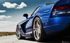Third Generation Dodge Viper  [SRT10 Coupe in GTS Blue Pearl]