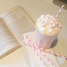 Hot chocolate with marshmallows! Just Girly Things, Pink Things, Girly Stuff, I Love Coffee, Getting Cozy, Marshmallows, Me Time, Warm And Cozy, Hot Chocolate