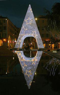 Un albero di Natale a Nizza, Francia