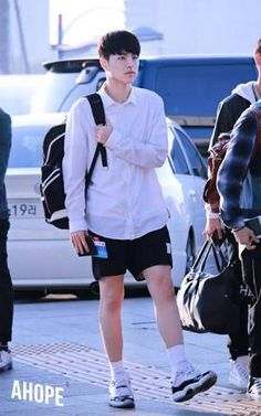 that's IKON — junhoenuna: donghyuks-thighs: copy+paste. Yg Entertaiment, Baby Huskies, Koo Jun Hoe, Korean Shows, Fashion Idol, Kpop Fashion, Best Kpop, Hip Hop And R&b, Icons