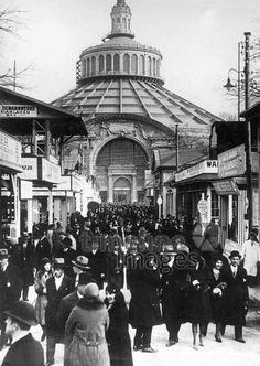 Rotunde auf der Wiener Messe, 1937 Timeline Classics/Timeline Images