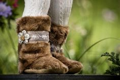 Boots for girls. Fawn faux fur and crochet flower with lace. Ships internationally.  Myang boots have non-slip suede soles, fabric uppers, warm fleece lining, soft inner elastic to grip the ankle plus a zip to make for an easy and snug fit. Our boots are so comfortable, they can also be worn as slippers. Available in 6-12 month, 12-18 month and 18-24 month sizes. Please consult the foot chart on our site for sizing. Foot Chart, Faux Fur Boots, Toddler Boots, Crochet Flower, Snug Fit, Ships, Slippers, Ankle, Warm