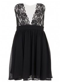You'll love the flirty black skirt on this little cocktail number. It features a white bodice with black lace detailing. Finish your look off with a pair of your favourite heels and lipstick. Event Dresses, Casual Dresses, Fresh Outfits, Best Brand, Skater Dress, Dress Black, Fashion Online, Latest Trends, Fashion Accessories