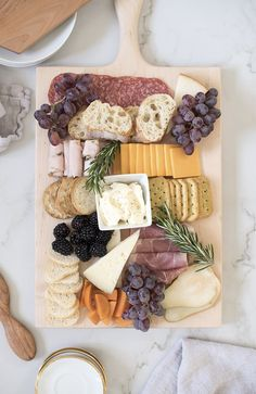 We're featuring handmade cheese and charcuterie boards, with an easy how-to guide for making one this holiday season- in addition to a giveaway!