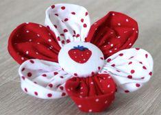 Blütenzauber: Wunderschöne Stoffblumen   DIY LOVE
