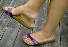 Flip Flop Sandals, Flip Flops, Wooden Sandals, Birkenstock Sandals, Sexy Toes, Arches, Legs, Nice, How To Wear