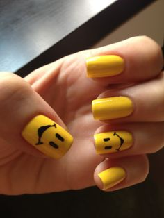 Show Off Your Happy Mood with Smiley-Face Nails! Happy Nails, Us Nails, Hair And Nails, Nail Art Design Gallery, Nail Art Designs, Love Smiley, Smiley Faces, Yellow Nail Art, Manicure Y Pedicure