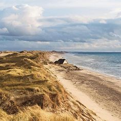 Real life or painting? It's hard to tell with this gorgeous view of Skagen 📷 by @hanszeegers . . . . . . #skagen #denmark #visitskagen #visitdenmark #painterly #landscapephotography #naturephotography  #Regram via @www.instagram.com/p/Bv9E9D8Hcjl/