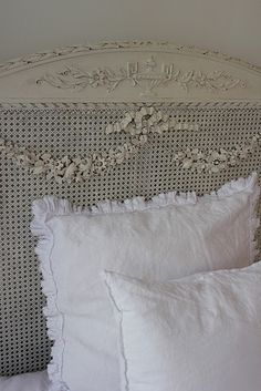Beautiful headboard (from summersoul)