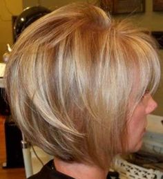 *time for new hair style* Bold blond & warm lowlights for contrast. Slightly angled bob is great for fine hair. 2015 Hairstyles, Pretty Hairstyles, Hairstyle Ideas, Blonde Hairstyles, Medium Hairstyles, Shirt Bob Hairstyles, Shirt Bob Haircut, Braided Hairstyles, Wedding Hairstyles