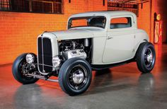 It was interesting to watch the crowd at the Grand National Roadster Show react to Scott Gillen's 1932 Ford DeLuxe three-window.
