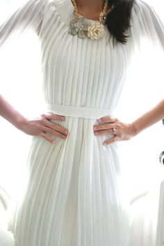 ☼ So Simple DIY-pleated dress made out of a pleated skirt. The only sewing required is 2 straight lines.