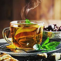 10 Foods that Lower Cholesterol Levels - tea White Tea Benefits, Oolong Tea Benefits, Omega 3, Green Tea Nutrition, Pinch Of Spice, Cholesterol Lowering Foods, Cholesterol Levels, Cream Tea, Keeping Healthy