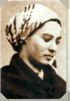 Saint Bernadette Soubirous and Her Life of Hardship and Sacrifice Ste Bernadette, St Bernadette Of Lourdes, St Bernadette Soubirous, Catholic Saints, Patron Saints, Roman Catholic, Lourdes France, Our Lady Of Lourdes, Religious Images