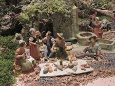 Scène le déjeuner sur l'herbe. Santons Vezolles. Salon international des Santonniers.