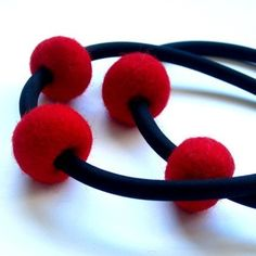 edgy red felt necklace, contemporary womens fashion, handmade designer  jewelry by frankideas, eco friendly
