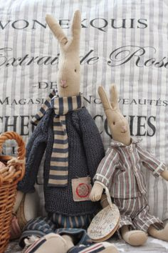 Subogati Rabbit Toys, Bunny Toys, Ooak Dolls, Art Dolls, Chat Origami, Franck Fischer, Maileg Bunny, Fabric Animals, Sewing Toys