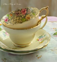 English tea cups and saucers......love the chintz!
