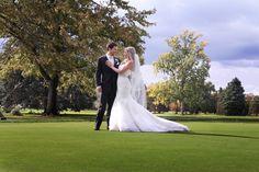 #wedding #outdoorwedding #bride #groom Bride Groom, Backdrops, Special Occasion, Reception, Golf, Club, Formal Dresses, Celebrities, Wedding