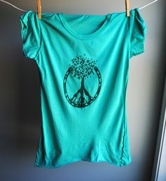 Peace Sign  Tree of Life  TShirt  Womens Large  Hand by WrenWillow