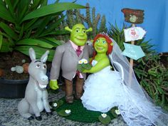Márcia Dutra Biscuit: casal de noivinhos de biscuit casal Shrek e Fiona
